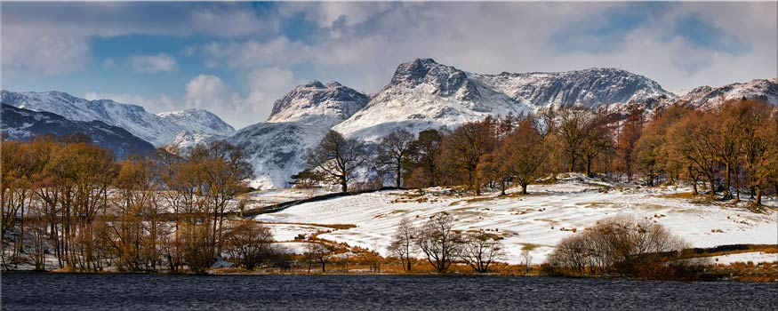 Loughrigg Tarn Winter View - Canvas Print